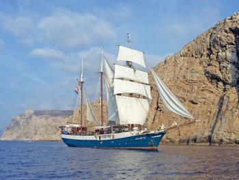 Boat and bike Tuscany